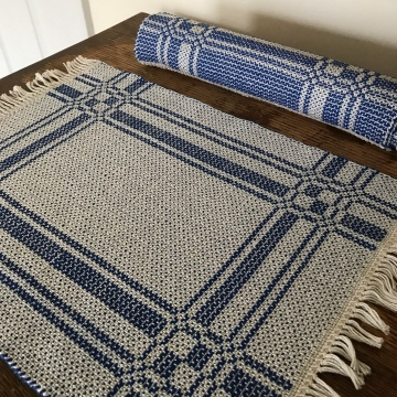 Blue summer and winter placemats