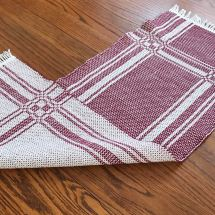 Garnet runner both sides in photo
