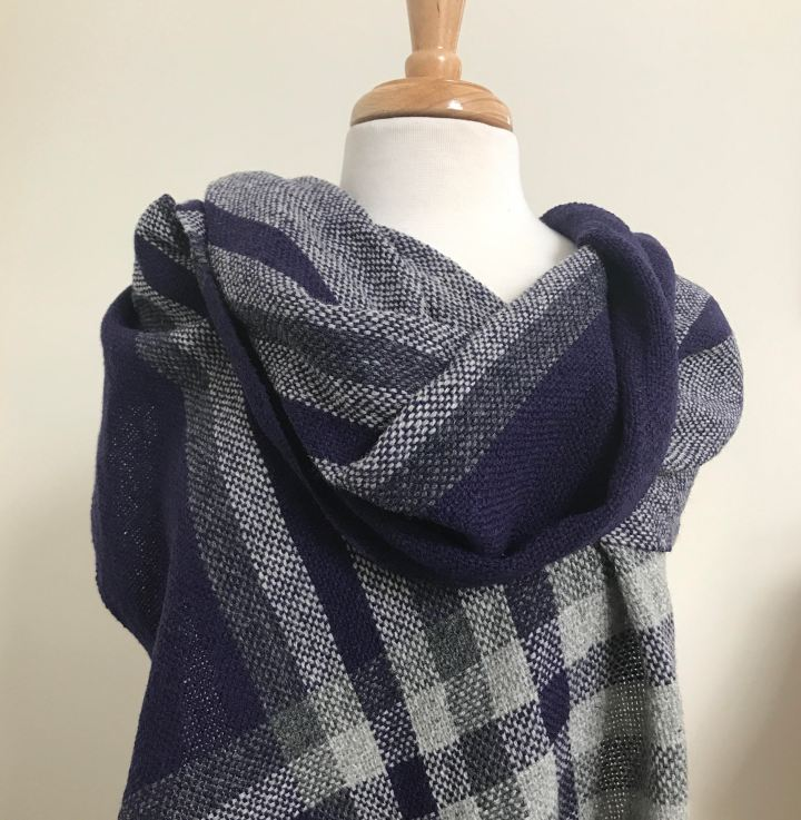 Plaid shawl plaid motif zoom