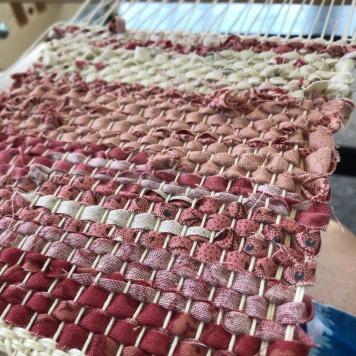 Mauve mug rugs